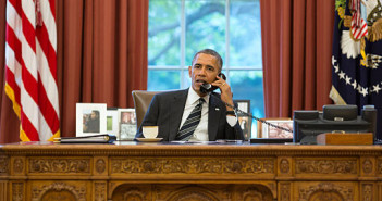 512px-Barack_Obama_on_the_telephone_with_Hassan_Rouhani (1)