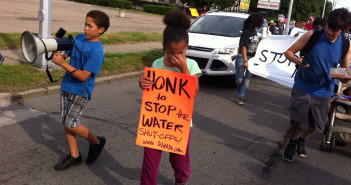 Children take part in the protest against the water shut-offs in Detroit. 2014. (Stephen Boyle/Flickr)