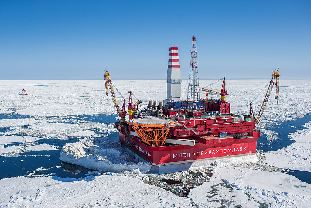 The Russian Prirazlomnaya oilrig in the Pechora Sea (Krichevsky/Wikimedia Creative Commons).