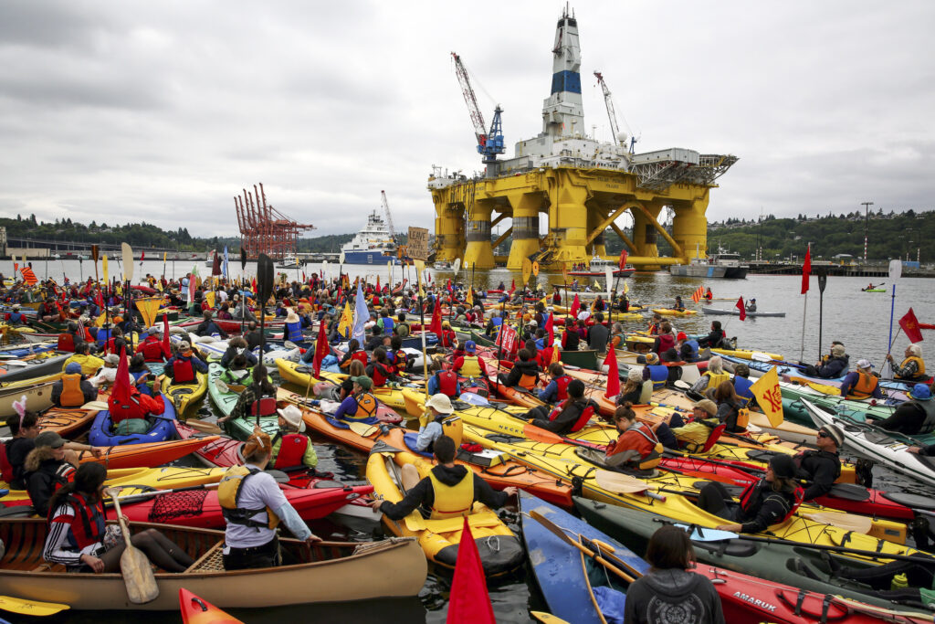 SEATTLE KAYAK OIL PROTEST