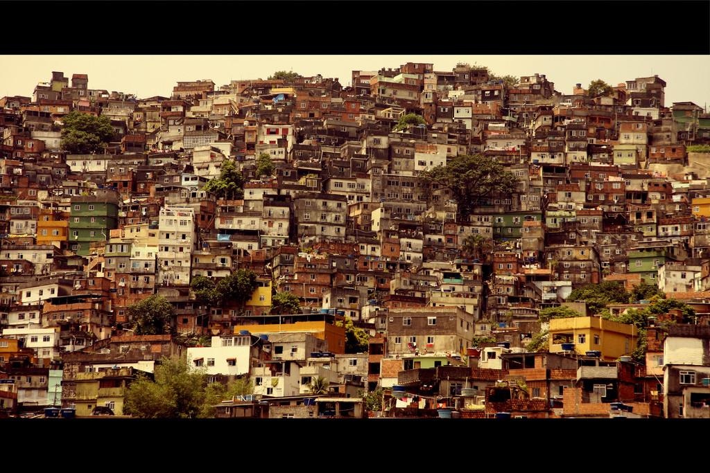 Landscape of a favela, an urban Brazilian slum, in Rio de Janeiro. 2009. (Alex/Flickr).