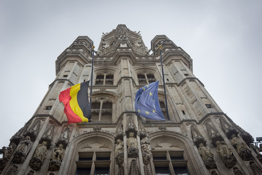 Belgian and European Union flag at half-mast at Grand Place. March 23, 2016. (Valentina Cala/Flickr CC).