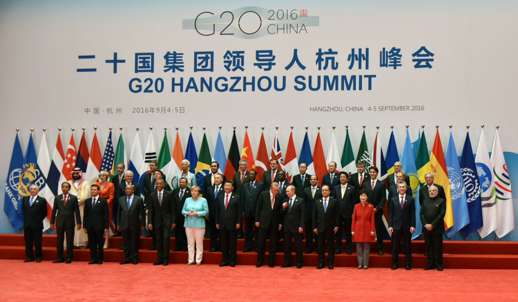 Heads of state assemble at the G20 Summit in Hangzhou, China, with Chinese President Xi Jinping in the center. September 2016. (Narendra Modi/Flickr)
