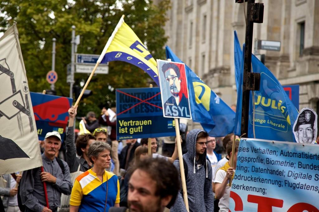 Demonstrators in Germany show support for Edward Snowden. August 30, 2014. (Markus Winkler/Wikimedia Commons)