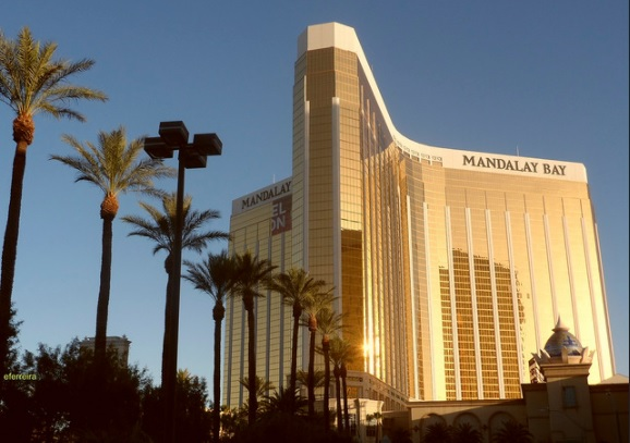 The Mandalay Bay Hotel where Stephen Paddock unleashed his attack on innocent civilians (Ferreira 2012/ Flickr Creative Commons)