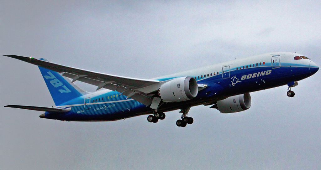 The Boeing 787 on its Maiden Flight. 2009 (Dave Sizer/Wikimedia Commons)