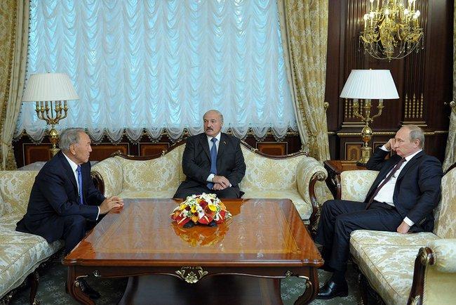 Vladimir_Putin_with_President_of_Belarus_Alexander_Lukashenko_and_President_of_Kazakhstan_Nursultan_Nazarbayev_in_Minsk