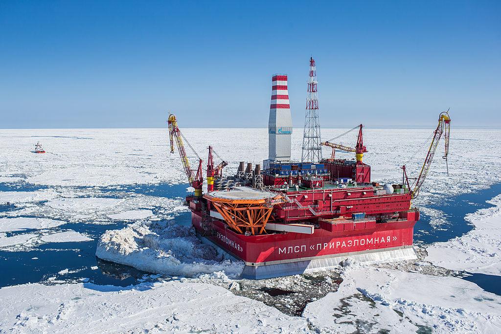 The Russian Prirazlomnaya oilrig in the Pechora Sea (Krichevsky/Wikimedia Creative Commons).